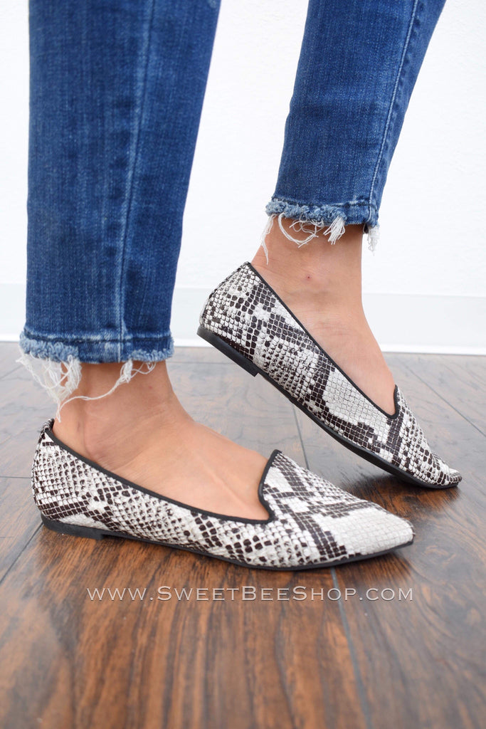 Taylor Black Snake Skin Pointy Toe Flat Heels, Footwear - Sweet Bee Boutique