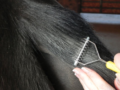 Smart Tails - horse tail tidy