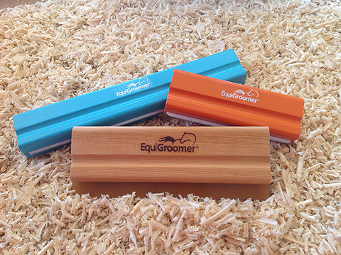 Equigroomer - grooming and shedding tool for horses and pets - and waterwisk