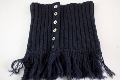 LA ROSE crochet neck warmer with fringes