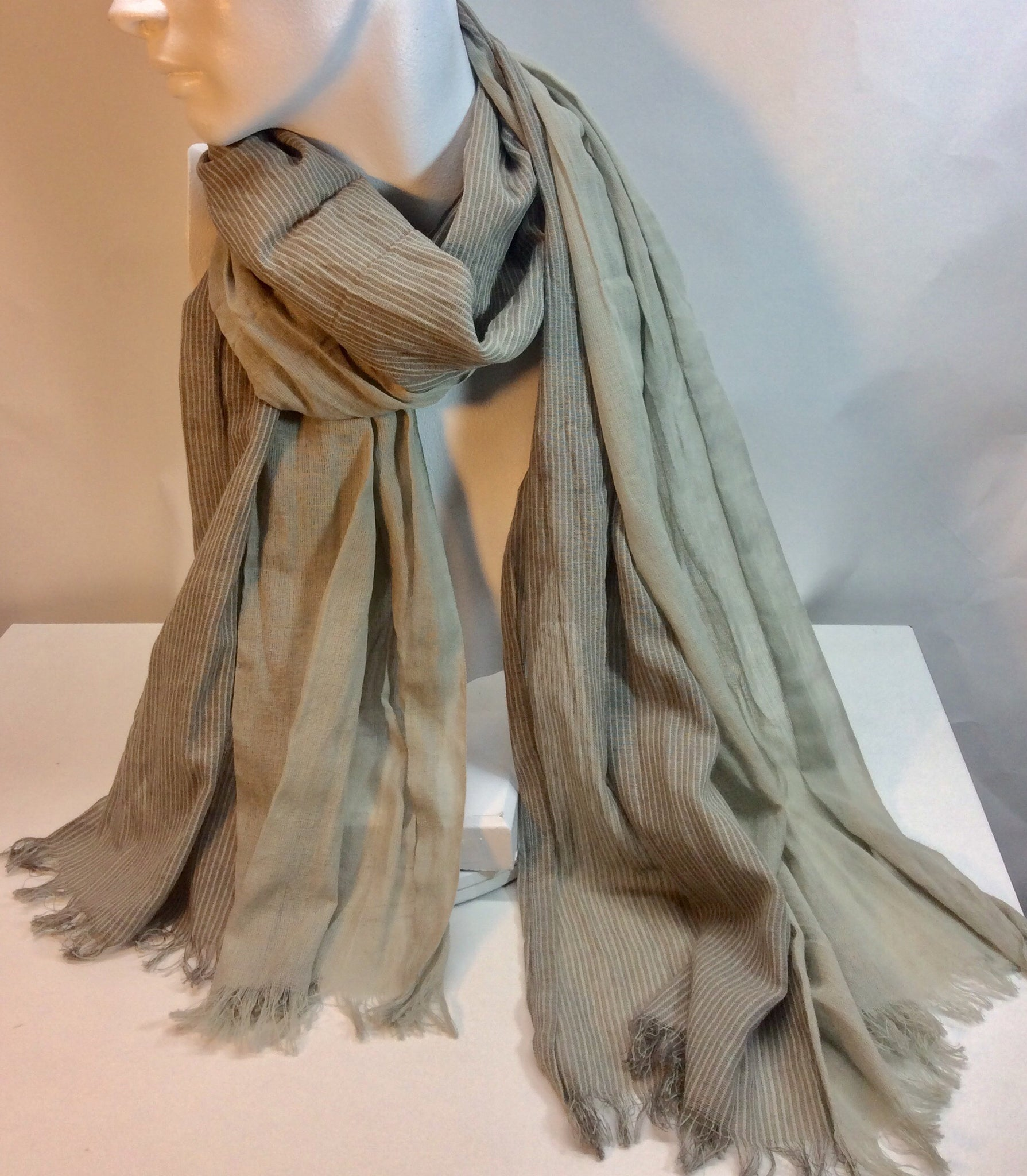 Two toned grey scarf with fringe