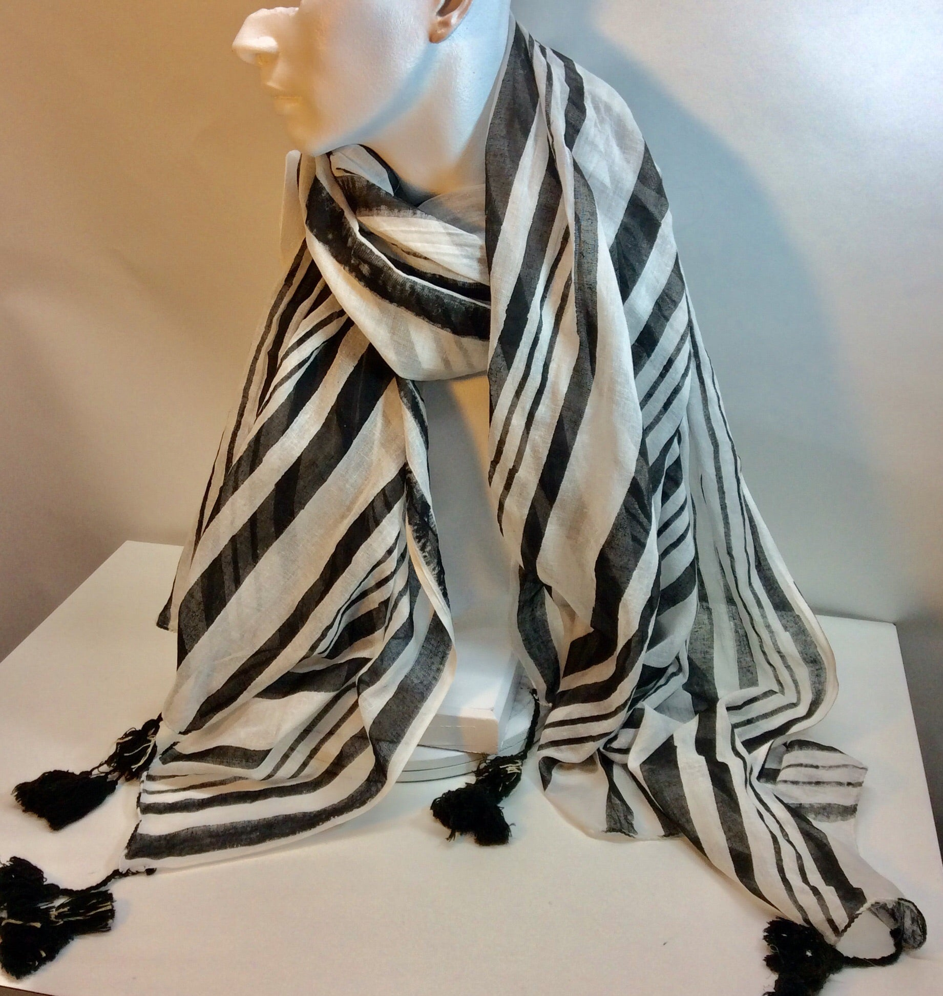 Striking back and white striped linen scarf