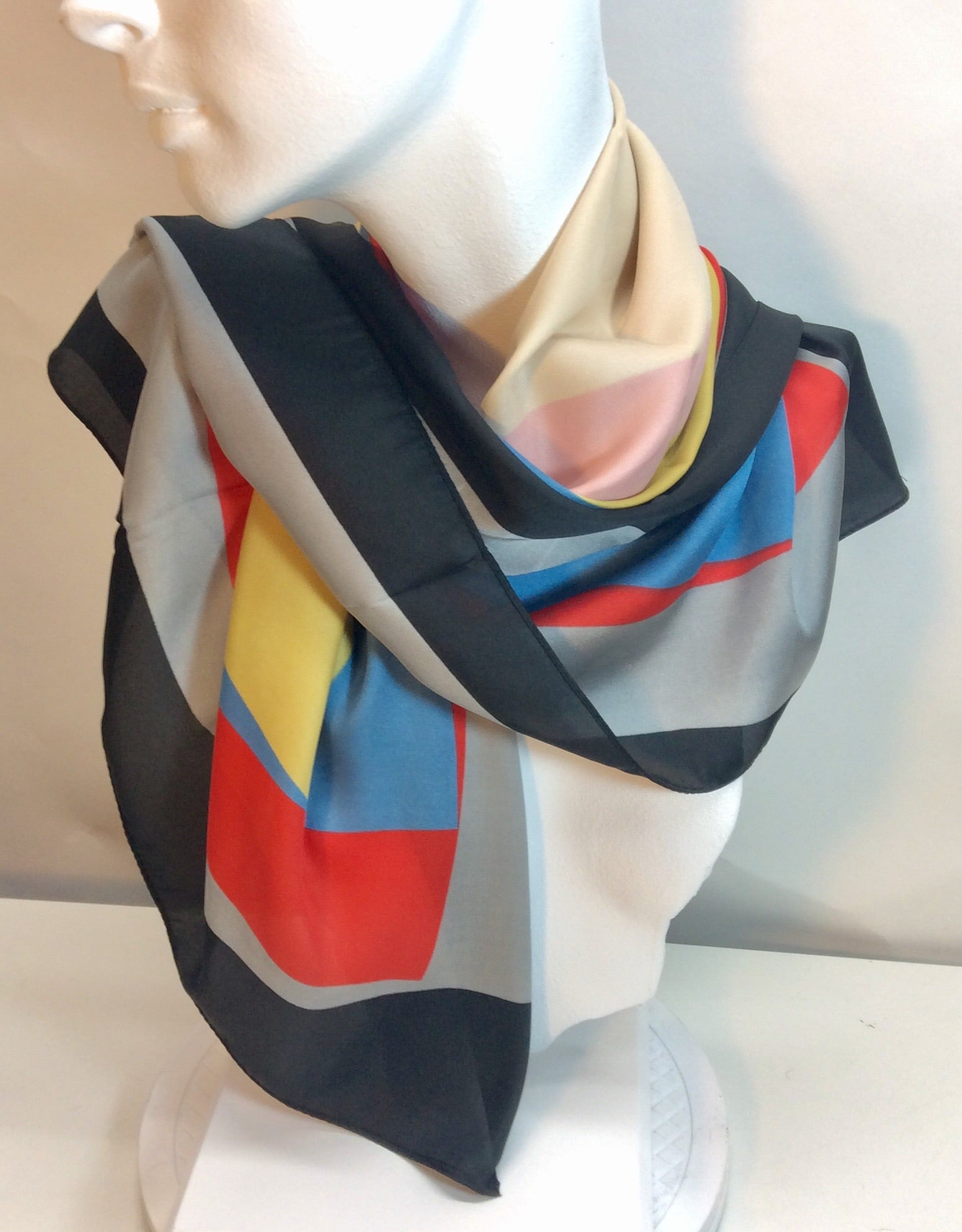 Square geometric design scarf