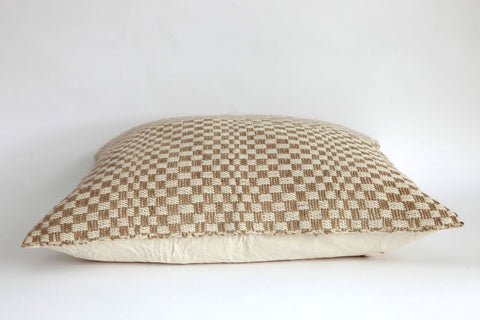 Checkerboard Weave Cushion - Oscuro