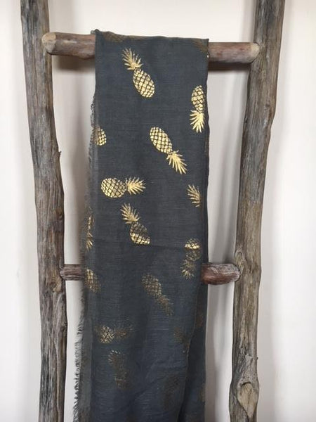 Dark grey scarf with pineapples