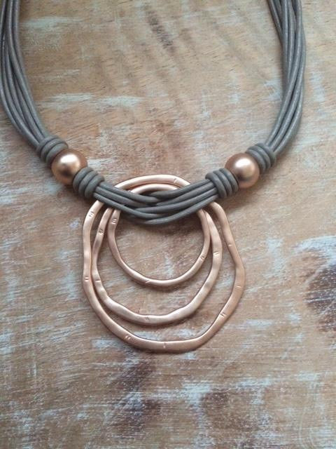 Multi circle rose gold & leather necklace