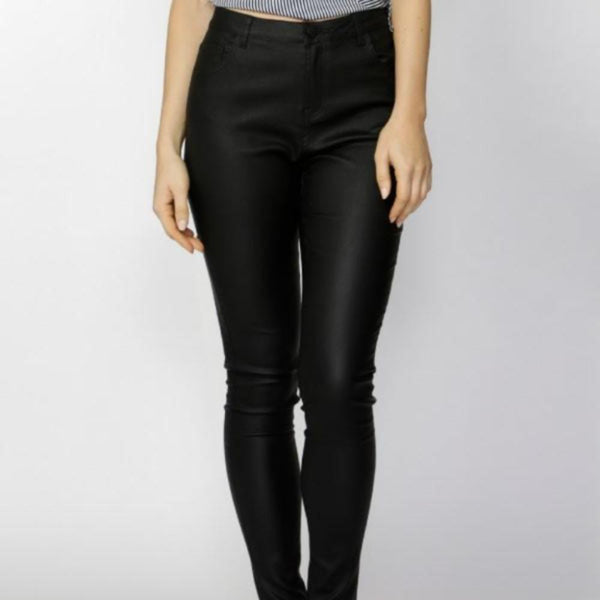Fate & Becker Ynez essential coated pant black front