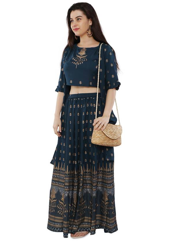A trendy & Modern Lehenga outfit with Croptop