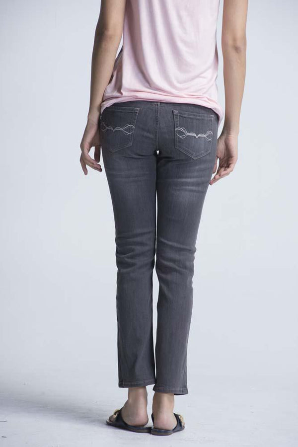 Japanese OEM Slim fit Jeans -Charcoal Black - Women Jeans - yz-buyer.myshopify.com