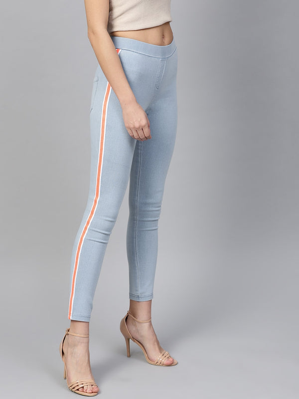 Women Blue Slim Fit Solid Cropped Jeggings