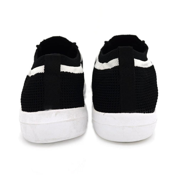 Women Black & White Flyknit Sock Sneakers