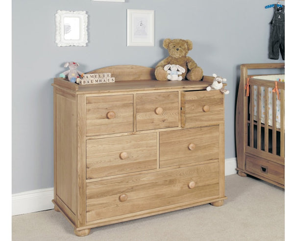 Amelie Solid Oak Changer / Chest of Drawers