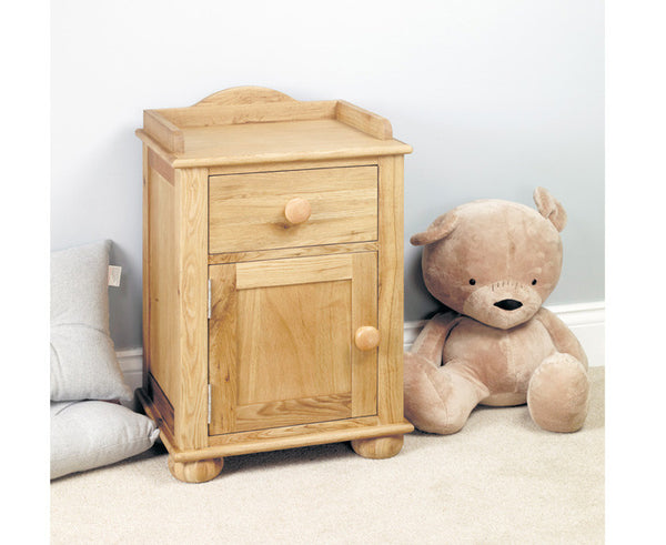 Amelie Oak Solid Wood Bedside Cabinet (one door one drawer)