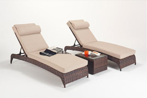 Windsor Lounger (Pairs) & Side Table