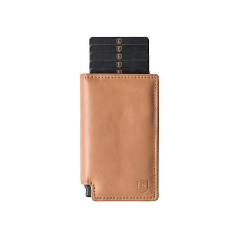 Cognac Parliament + Tracker Smart Wallet @Ekster