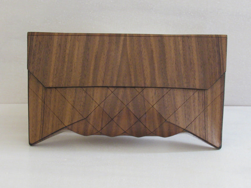 Wooden Handbags: The Vivienne Collection (Le Grand Walnut) - Wooden Element