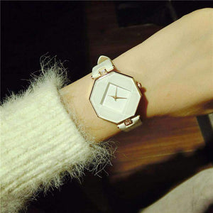 Square design exquisite design watch