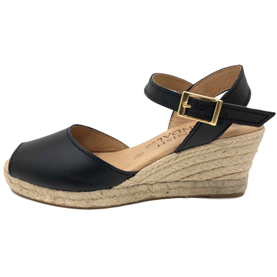 Black espadrille wedges with strap