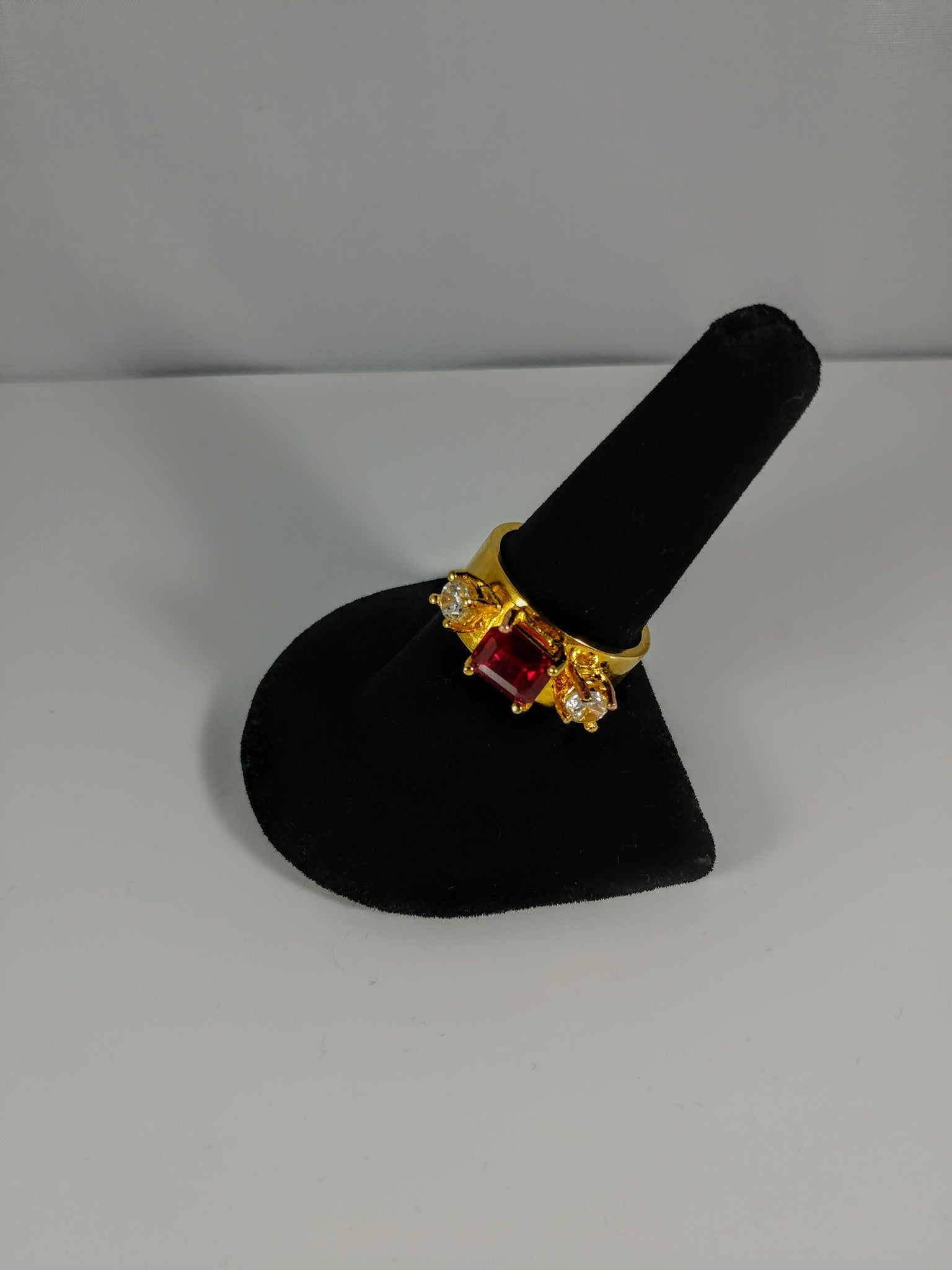 ring ruby gold vintage