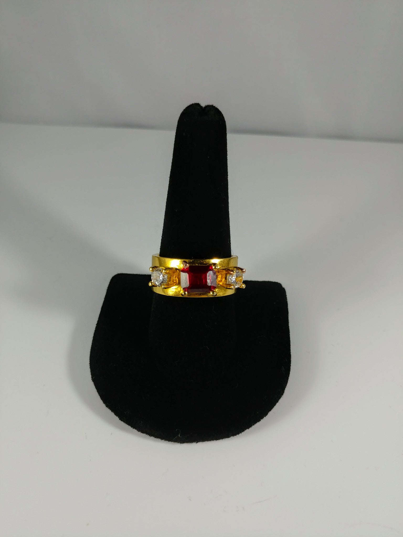 ring ruby gold vintage  royalty