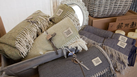 linen-and-lambswool-throws-and-blankets