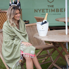nyetimber-bus-tripster-green-throw