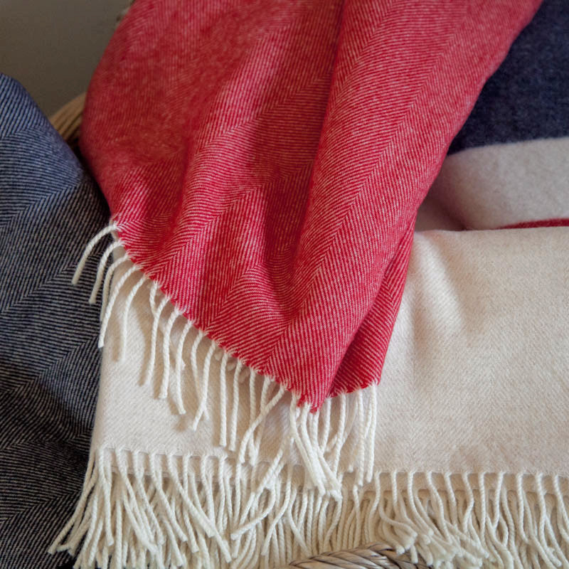 strawberry-cream-lambswool-throw