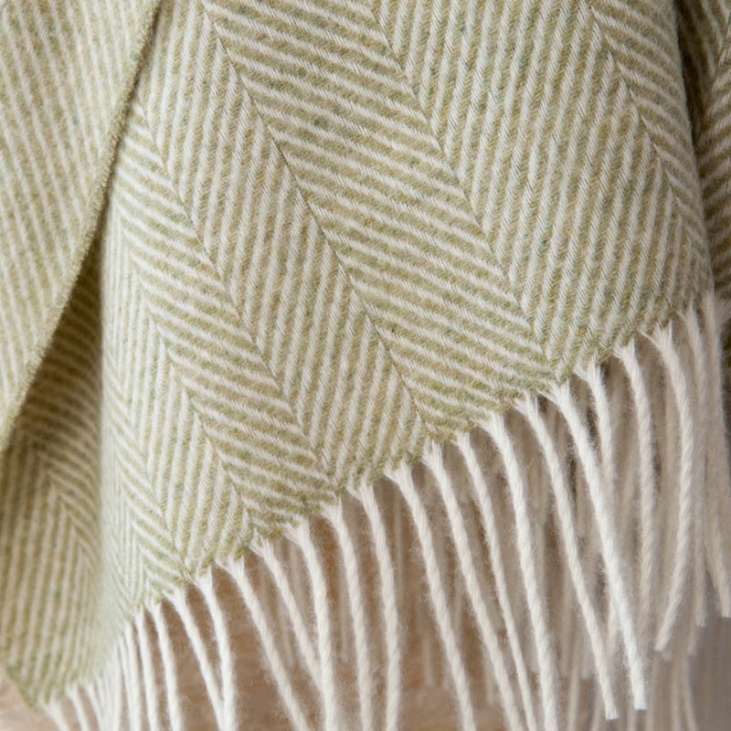 tripster-supersoft-merino-green-throw