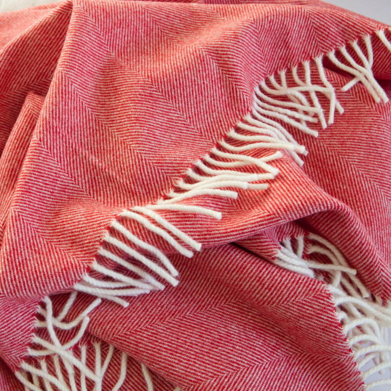 strawberry-red-merino-swanky-blanket-tripster