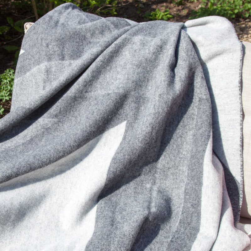 rreverse-vintage-wash-grey-lambswool-uk-flag-throw