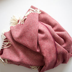 The Fine Herringbone Throw (Cranberry)