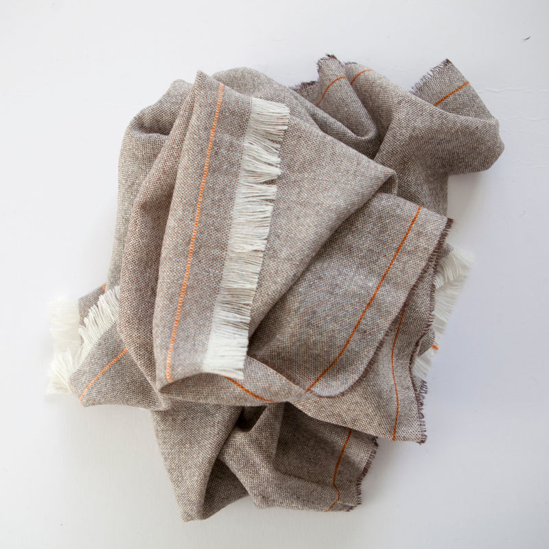 cashmere-scarf-toffee-fringed