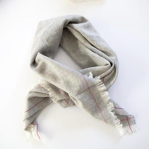 The Fine Herringbone Throw (Strawberry Cream)