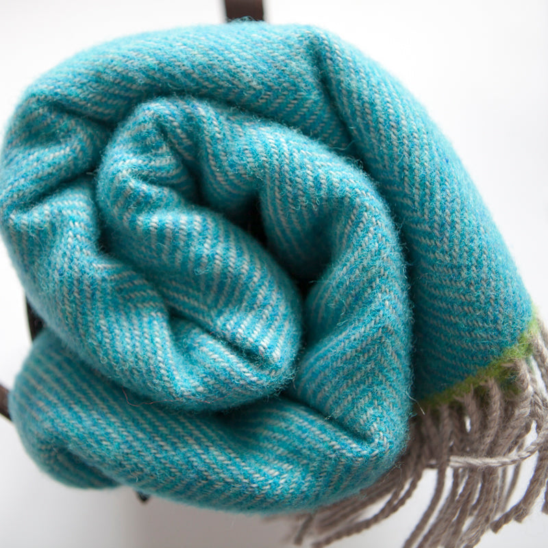 tripster-turquoise-whip-wool-picnic-blanket