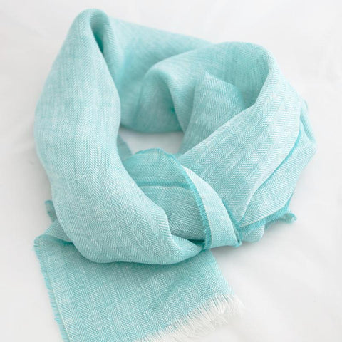The Plain Spot Throw (Smoky Blue)