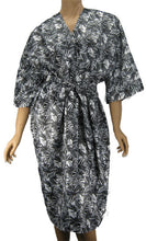 Salon Client Robe In Black And White Bamboo Print