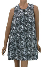 Full Figured Hair Stylist Smock Bamboo Black White Print