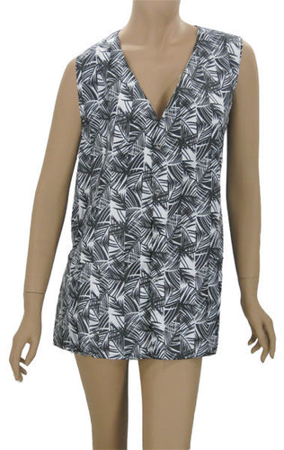 Full Figure Salon Stylist Vest Black White Bamboo