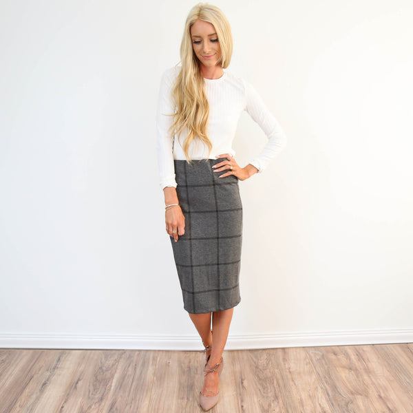Woven Plaid Midi Skirt in Charcoal