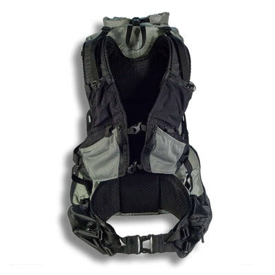 Flight 40 FKT Rear showing Vest Yoke and Hip Belt