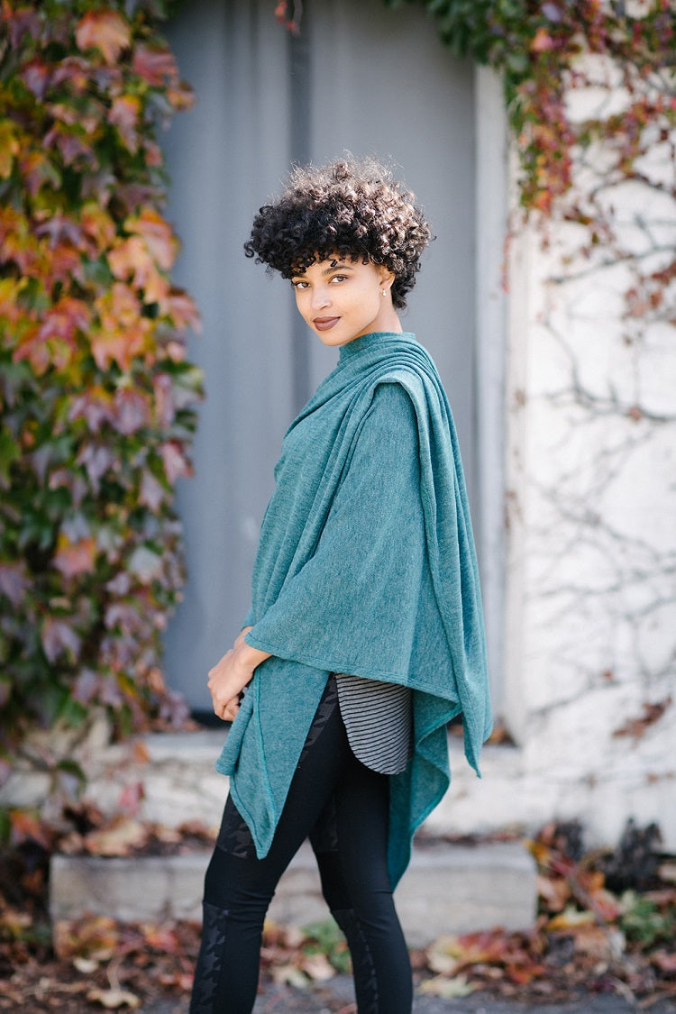 KOKOON Poncho Cape in Teal 2