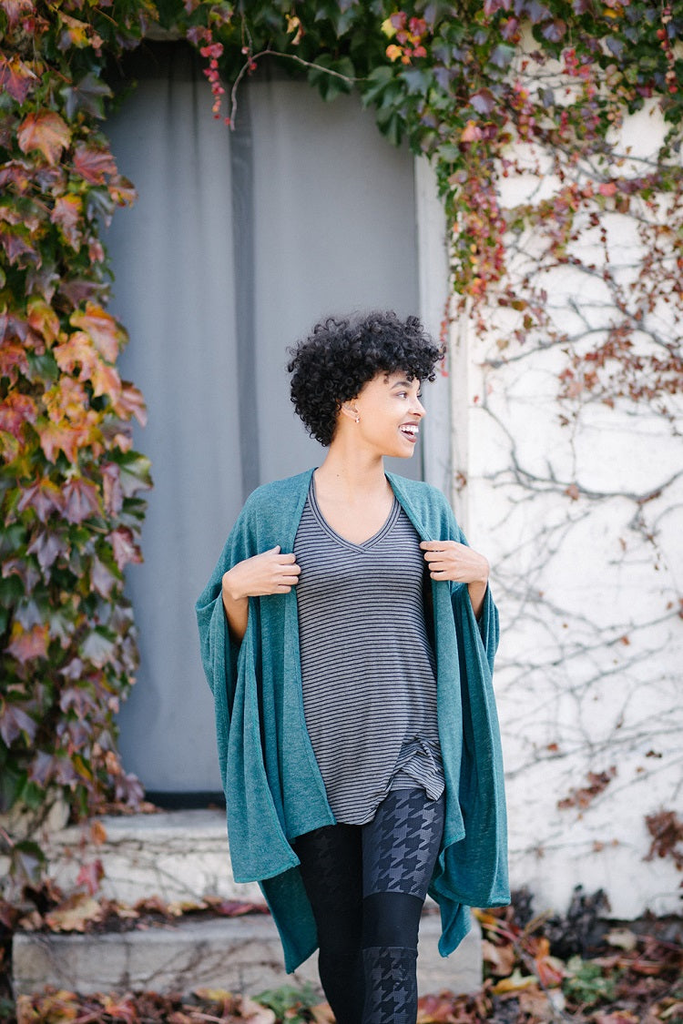 KOKOON Poncho Cape in Teal