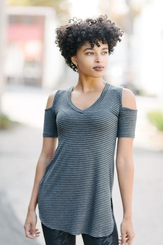 KOKOON CoSho V-Neck Tunic Model