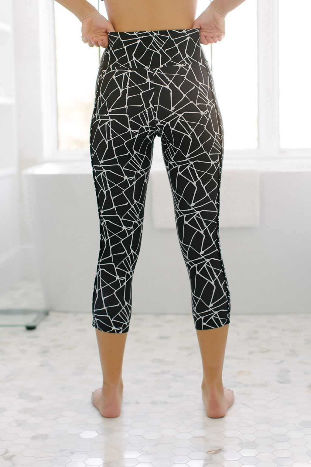 KOKOON Cropped Leggings Metro Map Print Back