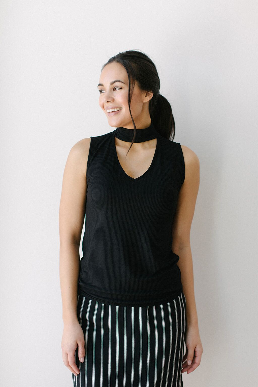 KOKOON Sleeveless Pantages Shell Mock Turtleneck Black
