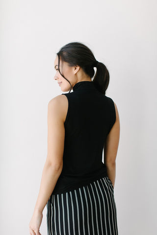 KOKOON Sleeveless Pantages Shell Mock Turtleneck Black Back