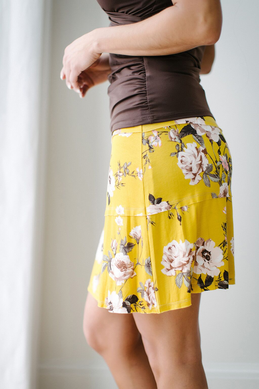 KOKOON Stacked Deck Skirt Curry Floral Side