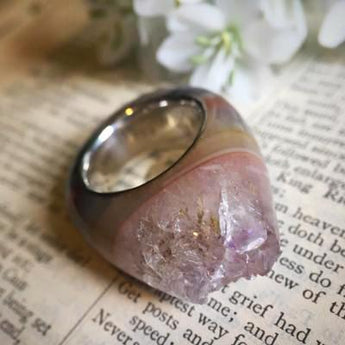 Medium Quartz Crystal Point Power & Protection Ring