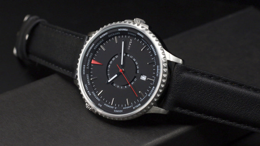 ONYX BLACK WORLD TRAVELLER - 42MM