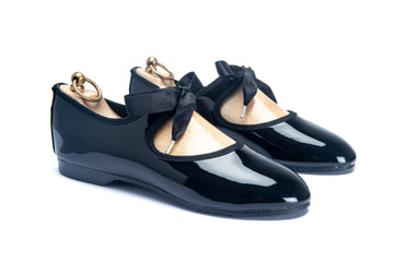 LORNE RIBBON TIE SHOE - BLACK PATENT